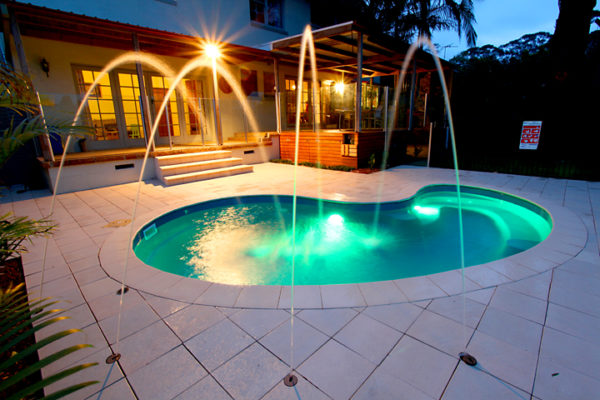 What Makes a Fibreglass Pool an Optimal Choice for Your Backyard